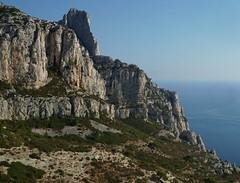 Les calanques de Sugiton (Missfujii) Tags: calanques mer ciel falaise rocher