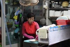 Making Sashimi at  Imwonhang fish market in Samcheok, Korea (mbphillips) Tags: imwonhang 임원항 samcheok 삼척시 三陟市 gangwondo 강원도 江原道 korea 한국 韓國 asia 亞洲 fareast アジア 아시아 亚洲 fishmarket canonef50mmf18ii canon80d mbphillips
