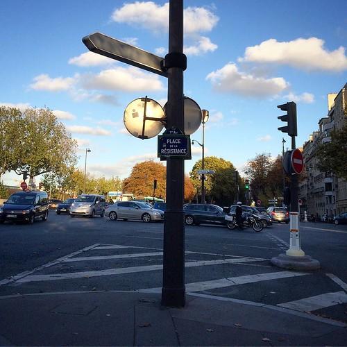 #placedelaresistance #paris #quaibranly