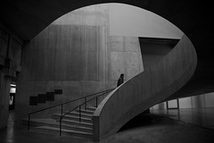 Tate (maekke) Tags: london greatbritain england tate tatemodern architecture urban stairs man bw noiretblanc canon 24mm streetphotography 2017 tamron