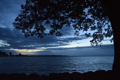 The night falls on Vättern lake in Vadstena (Sweden) (Valerio_D) Tags: vadstena vättern vätternlake lakevättern lagovättern sverige svezia sweden 2017estate 1001nights 1001nightsmagiccity coth5
