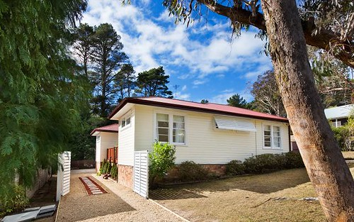 24 Lakeview Av, Blackheath NSW 2785