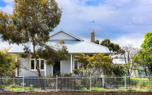 60 Urquhart Street, Castlemaine VIC