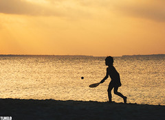 """World in front of the nose"" - Zanzibar - Tanzania - Africa (TLMELO) Tags: beach ocean indianocean mar oceano barco boat zanzibar tanzania sunset mergulho salto dive jump swiming nadador shadow sombra"