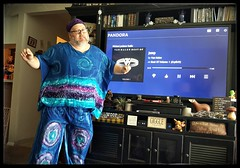 7/28/17 - Dance like no one's watching (CubMelodic23) Tags: july 2017 me dave selfportrait dancing dance hippie