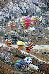 Cappadocia - Balloon Ride (W_von_S) Tags: ballonfahrt balloonride kappadokien cappadocia turkey türkei anatolien zentralanatolien centralanatolia landschaft landscape paysage panorama paesaggio air luftaufnahme luftbild wvons werner sony autumn herbst outdoor mountains berge