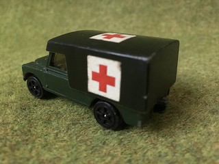 Corgi Juniors - Number 79 - Land Rover Military Ambulance - Miniature Diecast Metal Scale Model Emergency Services Vehicle