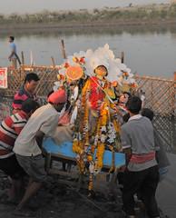 DSC_6058 (Mukul Banerjee (www.mukulbanerjee.com)) Tags: durgapuja durga durgotsav durgotsava new india festival shakt goddess celebration people dhunochi naach dhunochinaach bengali cultural culture traditional sindur sindoorkhela shalimarbagh portraits enjoyment awesome 2017 durgapuja2017 hindu mukulbanerjeephotography nikond300 nikon2470mmf28