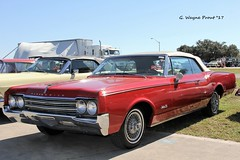1965 Oldsmobile Jetstar 88 Convertible (Gerald (Wayne) Prout) Tags: 1965oldsmobilejetstar88convertible 2017winterfloridaautofestlakeland lakelandlinderregionalairport cityoflakeland polkcounty florida usa prout geraldwayneprout canon canoneos60d eos 60d digital camera photographed photography display 1965 oldsmobile jetstar88 convertible gm generalmotors automobile vehicle carshow car autofest carlisleauctions carlisle auction antique historical vintage classic 2017 winter lakeland linder regional airport polk county stateofflorida