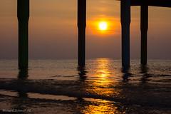 DSC08301 (De Hollena) Tags: beach coucherdesoleil holland lespaysbas nederland niederlande noordzee nordsee ocaso pier playa scheveningen sonnenuntergang strand sunset thenetherlands zonsondergang