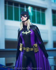SP_67103-2 (Patcave) Tags: friday dragon con dragoncon 2017 dragoncon2017 cosplay cosplayer cosplayers costume costumers costumes shot comics comic book scifi fantasy movie film batgirl stephanie brown dc batman
