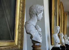 Chez le Prince de Talleyrand (Yvan LEMEUR) Tags: valençay château sculpture escultura patrimoine talleyrand indre histoire histoiredefrance buste intérieur art