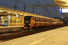 3427 en 3446 te Zwolle (vos.nathan) Tags: dm90 ns nederlandse spoorwegen buffel 3446 3427 zwolle zl