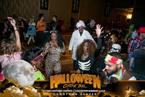 "Halloween Costume Ball 2017 • <a style=""font-size:0.8em;"" href=""http://www.flickr.com/photos/95348018@N07/38077699951/"" target=""_blank"">View on Flickr</a>"