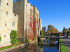 Hever Castle, Kent (Linda 2409) Tags: castle moat bridge drawbridge