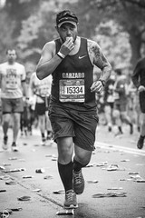 New York City Marathon 2017 (dansshots) Tags: 15334 tcsnewyorkcitymarathon newyorkcitymarathon2017 nycmarathon nycmarathon2017 tcsnewyorkcitymarathon2017 tcsmarathon nyc newyorkcity dansshots blackandwhite blackandwhitephotography blackandwhitephoto marathon nikon nikond750 70200mm newyorkcitymarathon