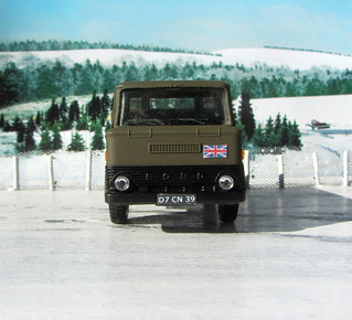 Dinky Kits Ford D800 Tipper Truck No. 1029 1973 Restoration And Conversion To Military : Diorama Winter Scenery - 7 Of 28