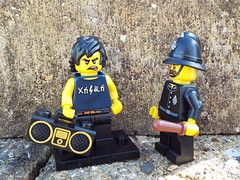 You Can't play your music that loud! (Paranoid from suffolk) Tags: 2017 lego ninjago movie series minifigs minifigures collectibles radio policeman cole