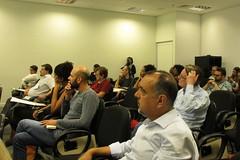 Plateia atenta e participativa durante o evento
