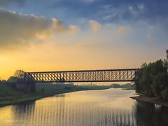 Alte Eisenbahnbrücke Griethausen (moni-h) Tags: altrheinarm eisenbahnbrücke griethausen herbst2017 kleve nrw niederrhein nordrheinwestfalen november2017 olympusm1240mmf28 olympusomdem1 wasser wolken deutschland de