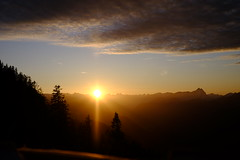 Abendstimmung am auf dem Pendling (rosenblume75) Tags: fuji fujifilm fujixt1 outdoor pendling abendhimmel abend stimmung abendstimmung sonnenuntergang sonnenstrahlen sonne berg berge mountain