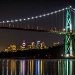 Lions Gate Bridge at Night thumbnail