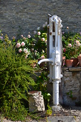 Normandie (geraldineh.dutilly) Tags: water fountain garden france normandy flowers