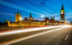 Palace of Westminster (_gate_) Tags: london uk blue hour palace westminster big ben england tower elizabeth nacht fluss dämmerung stadt turm architektur gebäude light licht blaue stunde united kingdom architecture parliament parlament bridge brücke clock august 2017 gate tamron 1530mm vc weitwinkel wide