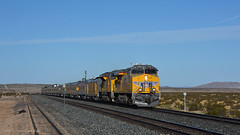 PLVWC @ Manix (GRNDMND) Tags: trains railroads unionpacific up lasl locomotive ge es44ac manix california