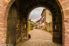 Saint-Jean-Pied-de-Port (Coline Buch - http://coline-buch.fr/) Tags: 2017 64 aquitainelimousinpoitoucharentes midipyrénées paysbasque montagne sudouest saintjeanpieddeport ville remparts citadelle