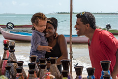 Artesanato (felipe sahd) Tags: fozdovelhochico riosãofrancisco artesanato família pessoas litoralnordestino nordeste barcos alagoas