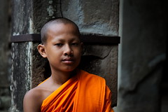 Young Monk (Strocchi) Tags: angkorwat monk monaco temple tempio canon eos6d 2405mm cambodia siemreap foreground