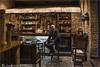 The Boss.   (Capital Leon - Kingdom of Leon - Spain). (Antoni Gallart i Vilarrasa) Tags: restaurant restaurante león lleó leon españa spain d800 nikon rroel58 antoni espanya fotógrafo photographer fotógraf theboss eljefe elcap indoor interiores interior sentat sentado seated 2017 friend amic amigo francisco barriohúmedo
