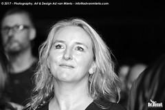 2017 Bosuil-Het publiek bij Ian Siegal 20-ZW