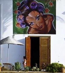Arte en el patio (John LaMotte) Tags: fachada puerta porta door rodalquilar almeria ilustrarportugal