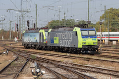 BLS Re 485 019 + 475 402 Basel Bad (daveymills31294) Tags: bls re 485 019 475 402 basel bad traxx siem vectron