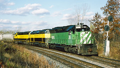 6695_10_29 (3)_crop_clean (railfanbear1) Tags: dh sd45 nhl