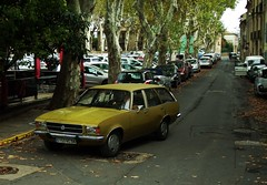 Opel Rekord D Diesel Caravan Pézenas (34) 20-10-17a (mugicalin) Tags: fujifilm fujifilmfinepix fujifilmfinepixs1 s1 finepixs1 opel opelcars gm generalmotor opelrekors rekord opelrekordd rekordd germancar break caravan stationwagon combi diesel indenor indenordiesel indenormotor 2017