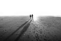 TEORÍA DEL TODO (oskarRLS) Tags: todo theory two dos love walk life mood bech playa teoría amour amore hope mono monochrome monocromo