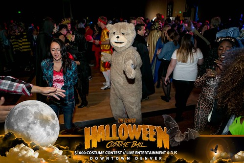 "Halloween Costume Ball 2017 • <a style=""font-size:0.8em;"" href=""http://www.flickr.com/photos/95348018@N07/24225095748/"" target=""_blank"">View on Flickr</a>"