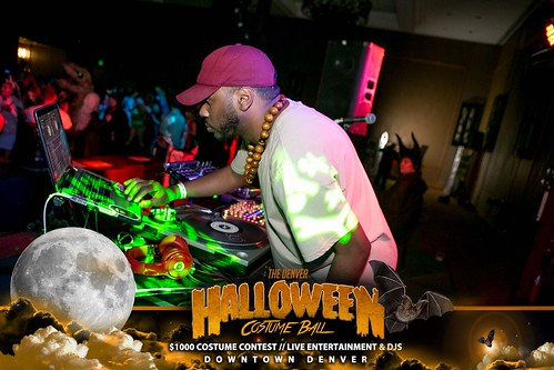 "Halloween Costume Ball 2017 • <a style=""font-size:0.8em;"" href=""http://www.flickr.com/photos/95348018@N07/24225099518/"" target=""_blank"">View on Flickr</a>"
