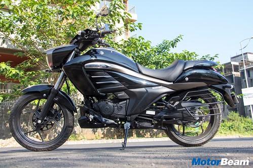 Suzuki-Intruder-150-16
