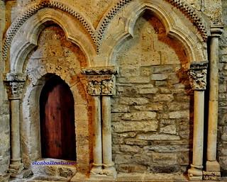 550 – Arquería - Iglesia Santa María de Piasca (Cantabria) - Spain.