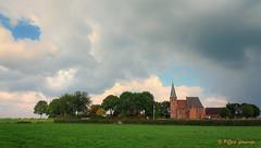 het kerkje van Persingen (www.petje-fotografie.nl) Tags: gelderland ptjefotografie persingen rosendaalseveld kerkje wolken