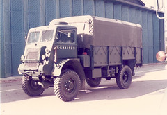 Imperial War Museum Bedford QLD Duxford 1980s (Richard.Crockett 64) Tags: bedford ql truck lorry generalservice britisharmy ww2 worldwartwo imperialwarmuseum duxford airfield cambridgeshire 1980s miltaryvehicle