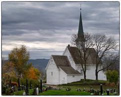 Nannestad kirke - Oktober 2017 #3 (Krogen) Tags: norge norway norwegen akershus romerike nannestad kirke church høst autumn krogen olympuse400 imagecompositeeditor