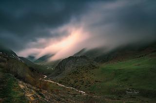 Niebla en el Valle de Guarrinza (Huesca-Spain)
