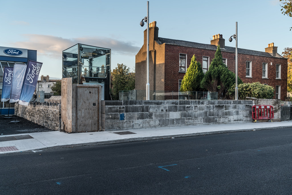 THE NEW LUAS TRAM STOP AT PHIBSBOROUGH [UNDER A BRIDGE AND PROTECTED BY GLASS PANELS]-133095