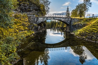Old bridge over Rødlielva