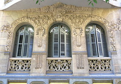 Arched windows, the Eixample, Barcelona (Spencer Means) Tags: dwwg explore window modernista modernisme arch dreta eixample barcelona catalonia catalunya spain shutters stonework